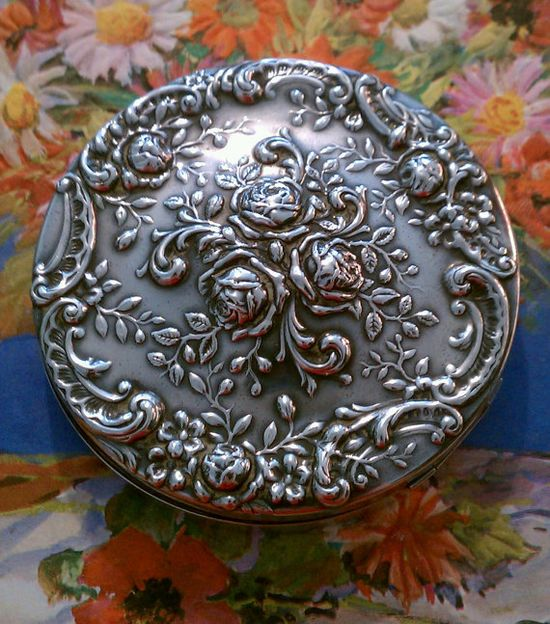 ~ 1930's Vintage Gorham Deco Roses Compact Sterling 325 Silver ~  gorgeous!