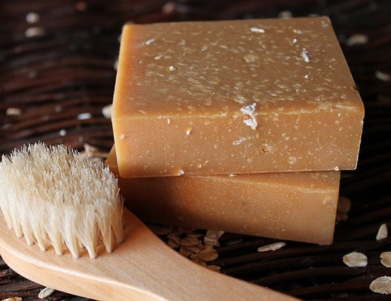 Tierra Verde Handmade Soaps: Tips for Working with Honey in Soap
