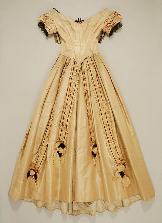 Stunning Evening Dress 1845-50