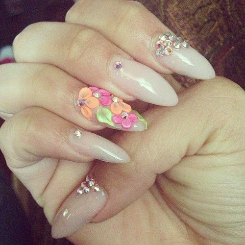 Almond nails with flowers