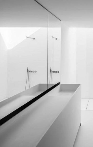 Minimal, bespoke bathroom design by Pascal François Architects _