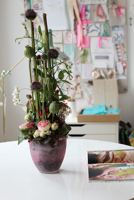 Flowers from Thorsten by decor8, via Flickr