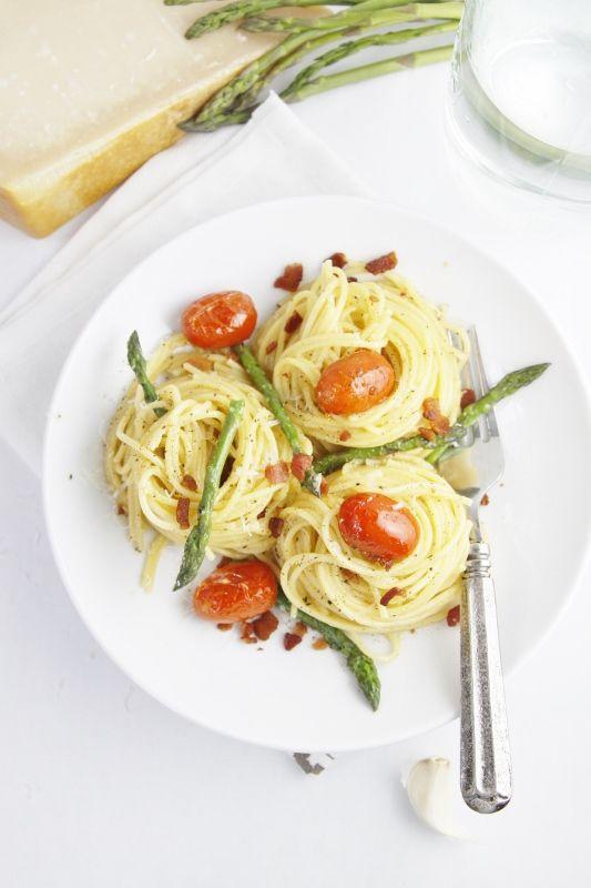 Asparagus and Tomato Carbonara
