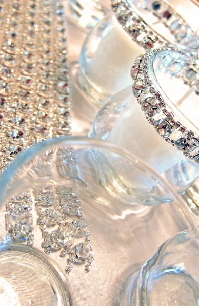 DIY beautiful embellished candle holders for your own decor... also amazing gifts! ????