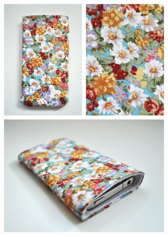 iPhone case with multi coloured flower pattern von YOSYEshop