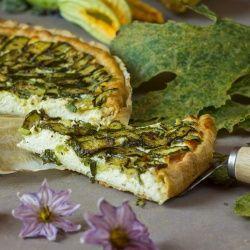 Finta sfoglia con zucchine alla crescenza #italianfood #italianrecipes #foodideas #cooking #recipe #foodporn #picnic #veggie