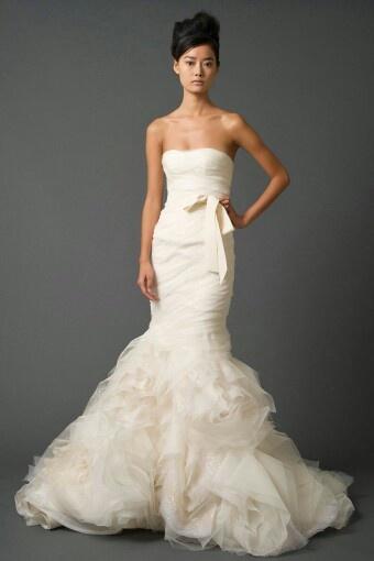 Vera Wang Wedding Dress - minus the bow