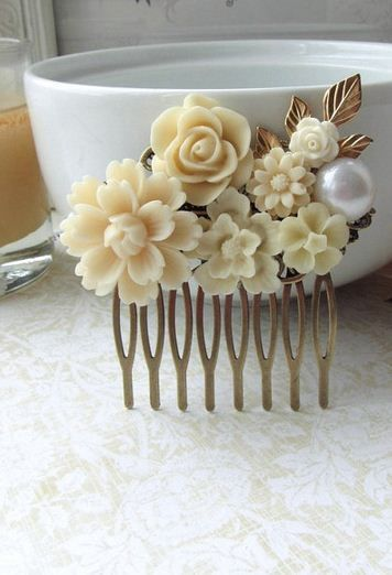 vintage inspired hair comb. Beautiful.