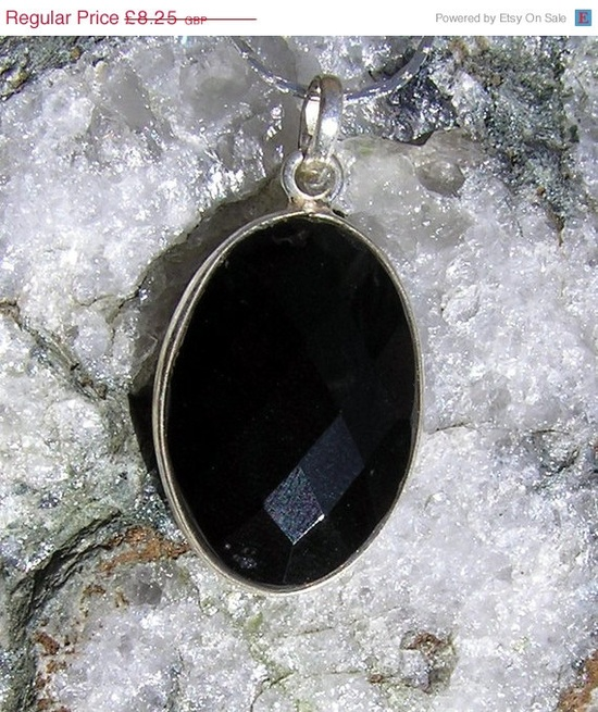 WINTER SALE Black Onyx Faceted Crystal Gemstone by SunnyCrystals, £7.43