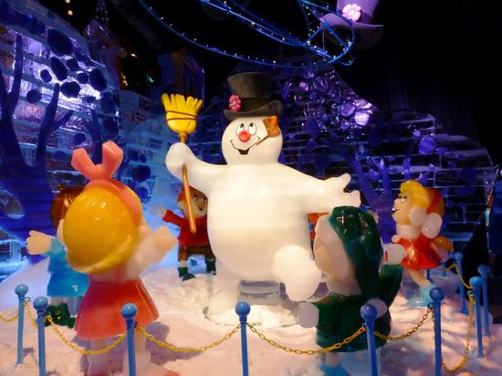ICE! featuring Frosty the Snowman: A classic Christmas tale becomes Orlando's most unique (and coldest!) holiday event