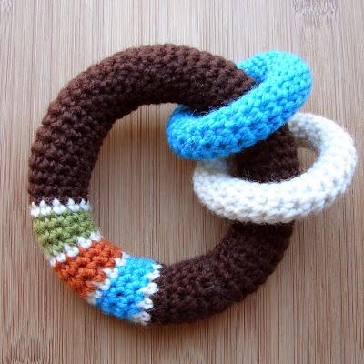 LOOP Baby Toy: free crochet pattern