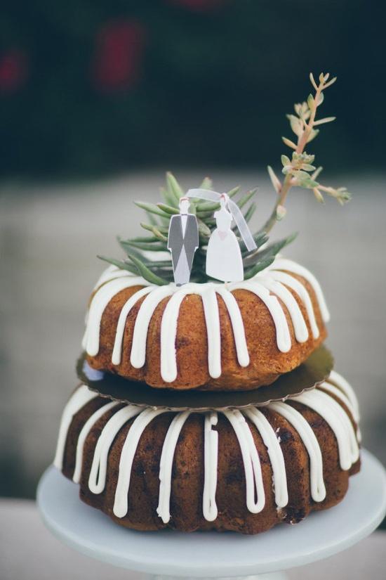 We heart bundt cakes   Cake by www.nothingbundtc...  Photography by jessbarfield.com