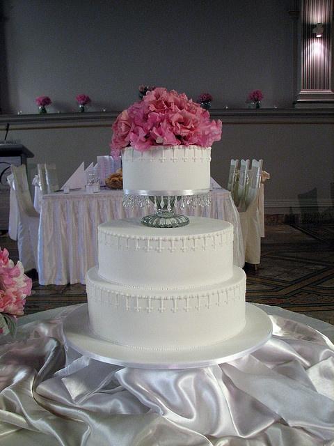 Vintage white wedding cake