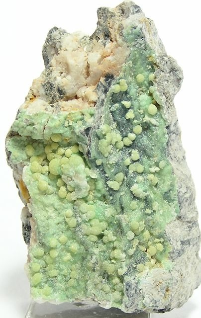 Rare Yellow Wavellite / Mineral Friends ?