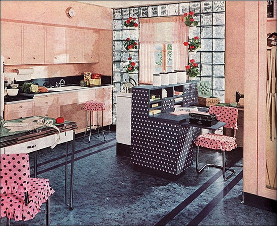I love (!) this wonderfully spacious, sweetly beautiful 1940s pink and polka dot filled kitchen. #kitchen #vintage #1940s #forties #home #decor #pink