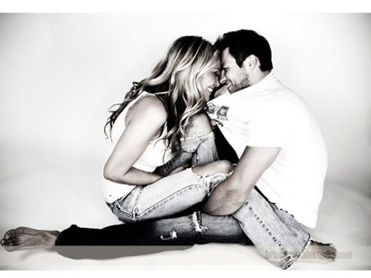 50 Poses for engagement photos