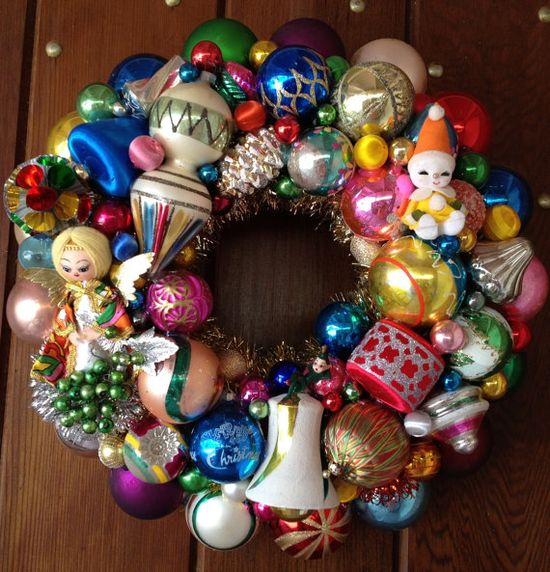 Christmas Wreath Mid-mod Angel wreath. Handmade Christmas wreaths are the best. Find inspiration at Hobbycraft www.hobbycraft.co... #christmas #wreaths #christmaswreaths