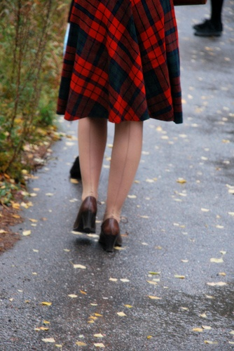 plaid skirt & back seam stockings