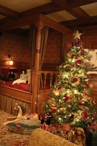 Come enjoy #holiday events at the #Titanic in #PigeonForge!