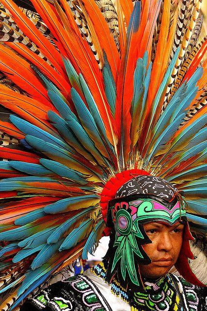 Penacho  Danzante de danzas prehispanicas, Queretaro, Mexico.