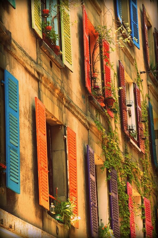Love these vibrant colors. Geneva.