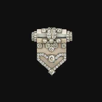 An Art Deco diamond clip brooch  c.1935