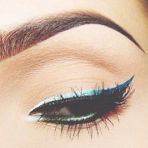 The eyeliner is gorgeous ?