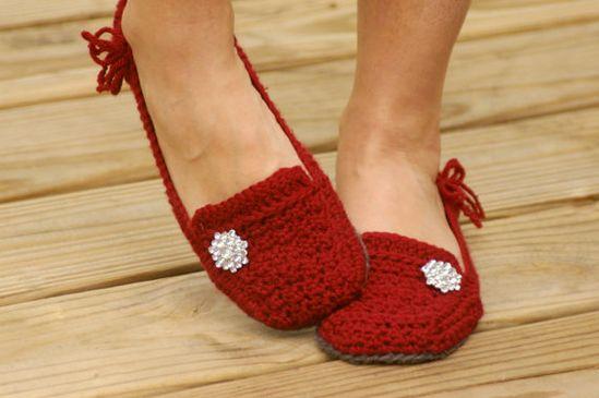 Crochet Pattern for a Womens House Slipper -