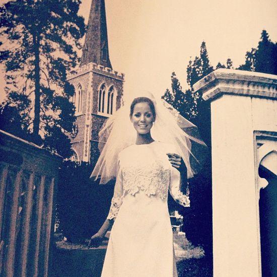 Stunning 1960's wedding photo!