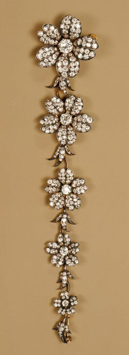 Corsage piece, ca 1880-1900, Tiffany & Company, gold, diamonds