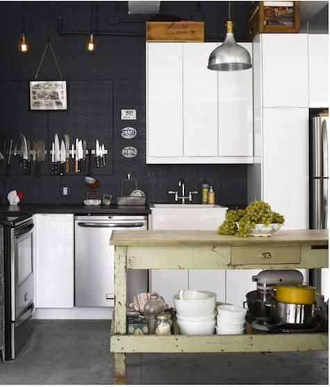 .love the dark navy walls.
