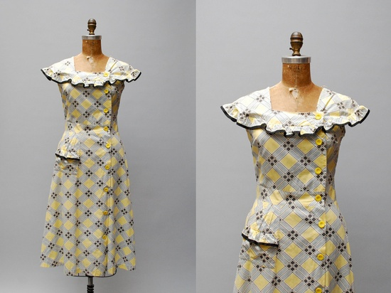 A lovely 1940s cotton windowpane print dress (love the neckline and single hip pocket). #vintage #1940s #fashion