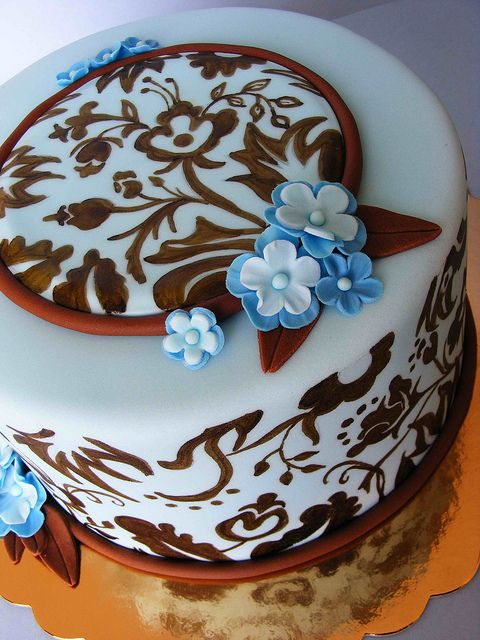 Blue and brown cake by bubolinkata, via Flickr