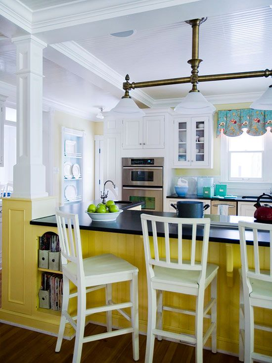 Perk up a kitchen with a sunny yellow island! More ideas for country kitchens: