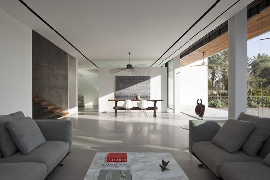 Kfar Shmaryahu House / Pitsou Kedem #modern home design #modern house design #interior design #modern interior design #home interior design 2012