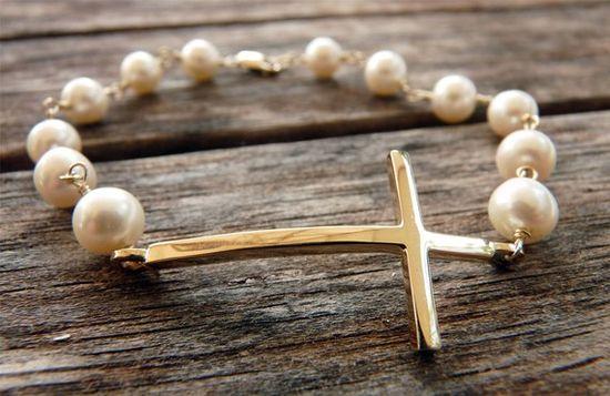 14k gold/ pearl cross bracelet