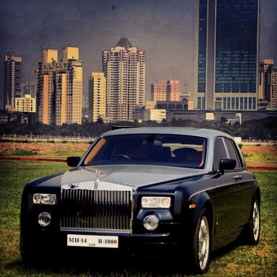 I still love the Rolls Royce Phantom! how about you?