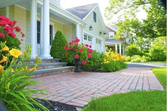Brick Walkway - Home and Garden Design Ideas