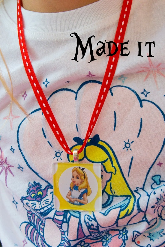 The Polkadot Chair: Birthday Party crafts, necklace