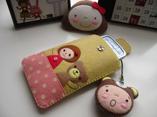 bear and friend felt phone pouch