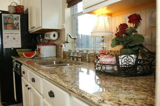 It's A Wannabe Decorator's Life: Before and After: Kitchen