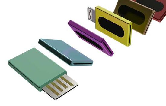 Two-Sided Storage Devices - The Viceversal Flash Drive Makes Info Sharing Between Gadgets Seamless (GALLERY)