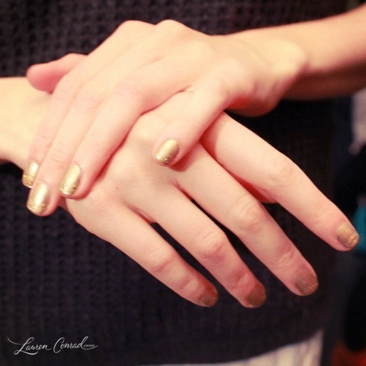 muted gold manicure #nyfw #nails