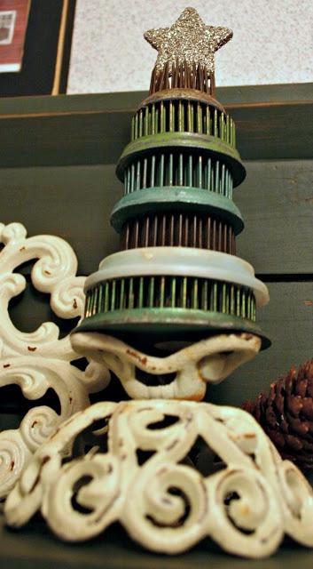 Vintage Frog Christmas Tree...