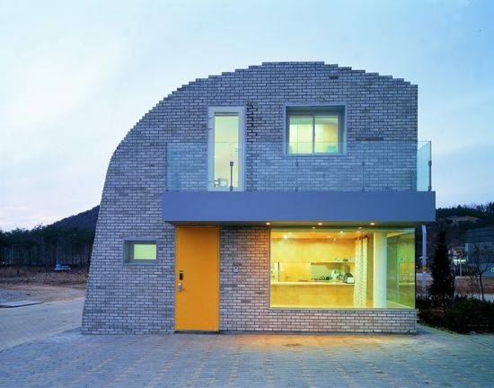 Pixel House / Mass Studies and Slade Architecture