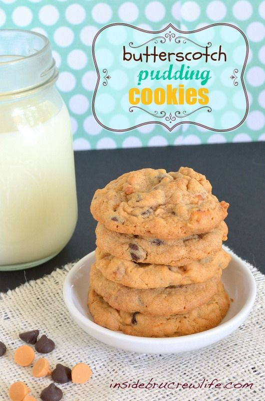 Super soft chocolate chip #Butterscotch Pudding #Cookies by Inside BruCrew Life on iheartnaptime.net -these look amazing!
