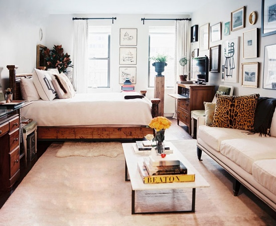 A modern and comfortable bedroom. #decor #modern #interior  #design #casadevalentina
