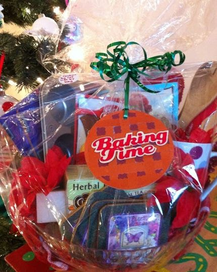 DIY Gift Basket Ideas - Baking Time - Click pic for 25 DIY Christmas Gift Ideas