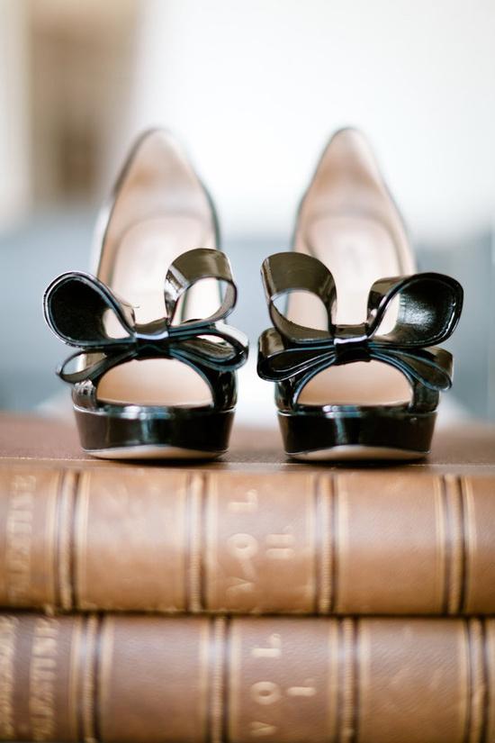 Valentino bows