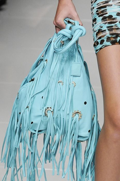 love this turquoise fringe bag